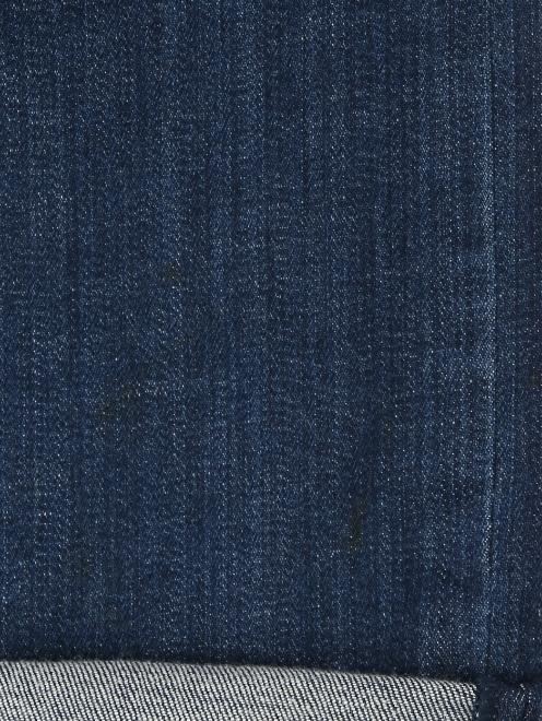 Джинсы с вышивкой пайетками  - Деталь2