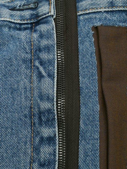 Юбка из денима с контрастной плиссированной вставкой - Деталь1