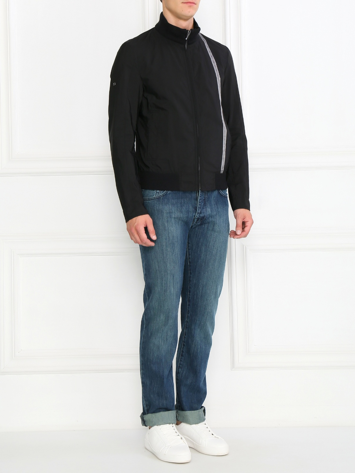 Куртка  на молнии с контрастной вставкой BOSS  –  Модель Общий вид  – Цвет:  Черный