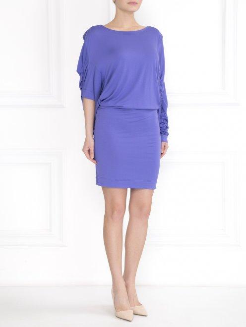 Трикотажное платье с ассимметричными рукавами - Общий вид