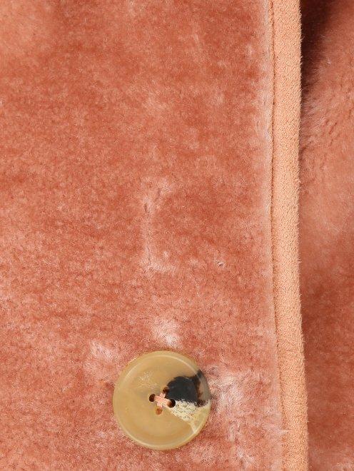 Пальто однобортное прямого силуэта на пуговицах  - Деталь