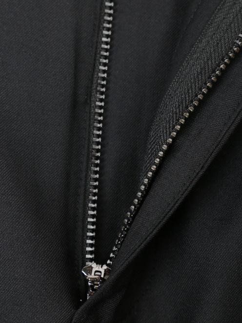 Юбка с боковыми карманами и контрастной отделкой - Деталь1