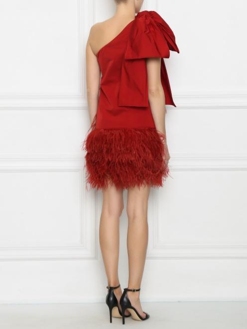 Платье-мини декорированное перьями - МодельВерхНиз1