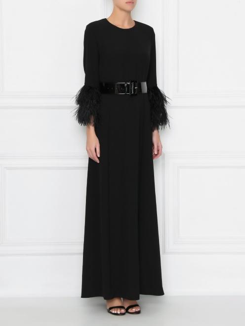 Платье макси декорированное перьями  - МодельВерхНиз