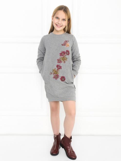 Платье трикотажное с аппликацией - Общий вид