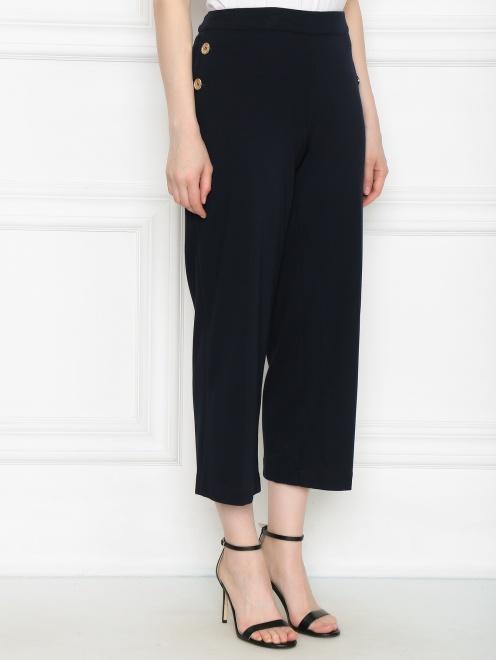 Широкие трикотажные брюки с металлическим декором - МодельВерхНиз