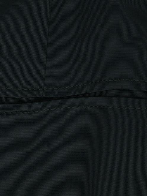 Юбка из вискозы с декоративной цепочкой на талии - Деталь