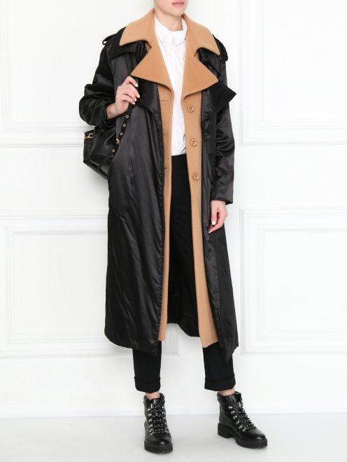 Пальто с контрастной отделкой и поясом - Общий вид