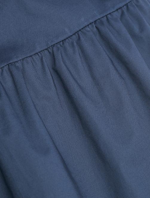 Платье-мини из хлопка с контрастной вышивкой - Деталь