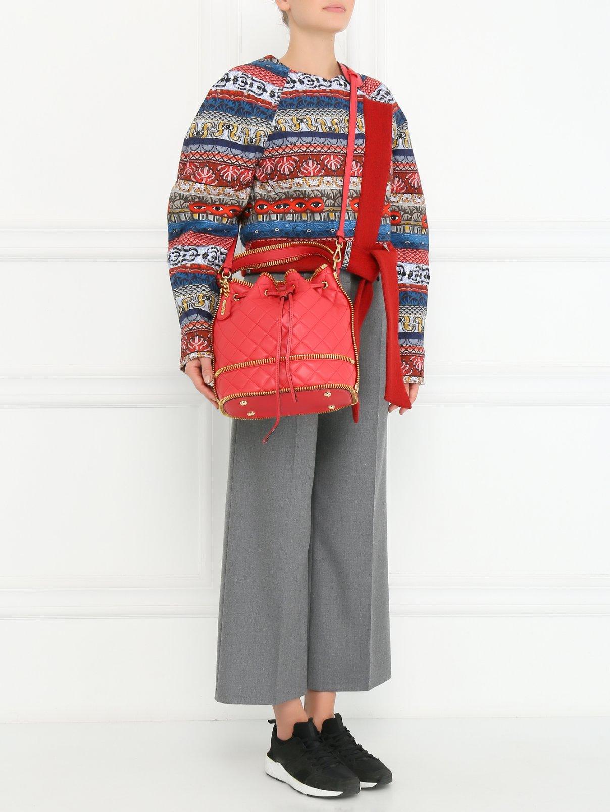 Сумка-мешок с металлической отделкой на  плечевом ремне Moschino Couture  –  Модель Общий вид